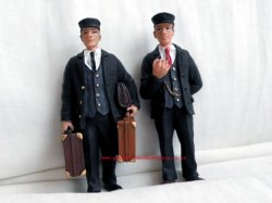 Bachmann 22177 Stationmaster and Porter